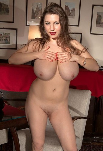 Samantha Lily ~ A Pair Of Queens naturally big beautiful boobs