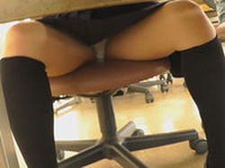 seituk003 【机の下の世界】 Vol.03 人生色々、生足も色々!! Vol.02 J●+椅子+体育座り=丸見え!!Vol.01 図書館にて 制服ざんまい