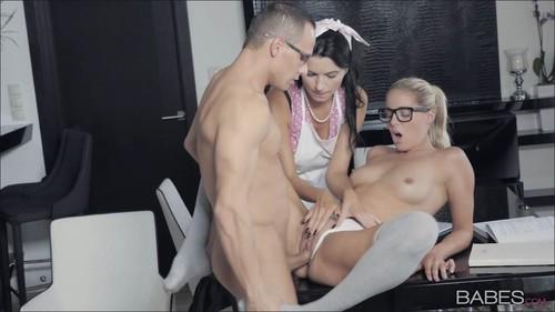 Ania Kinski, Christen Courtney - A Tasty Distraction