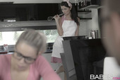 Ania Kinski & Christen Courtney - A Tasty Distraction